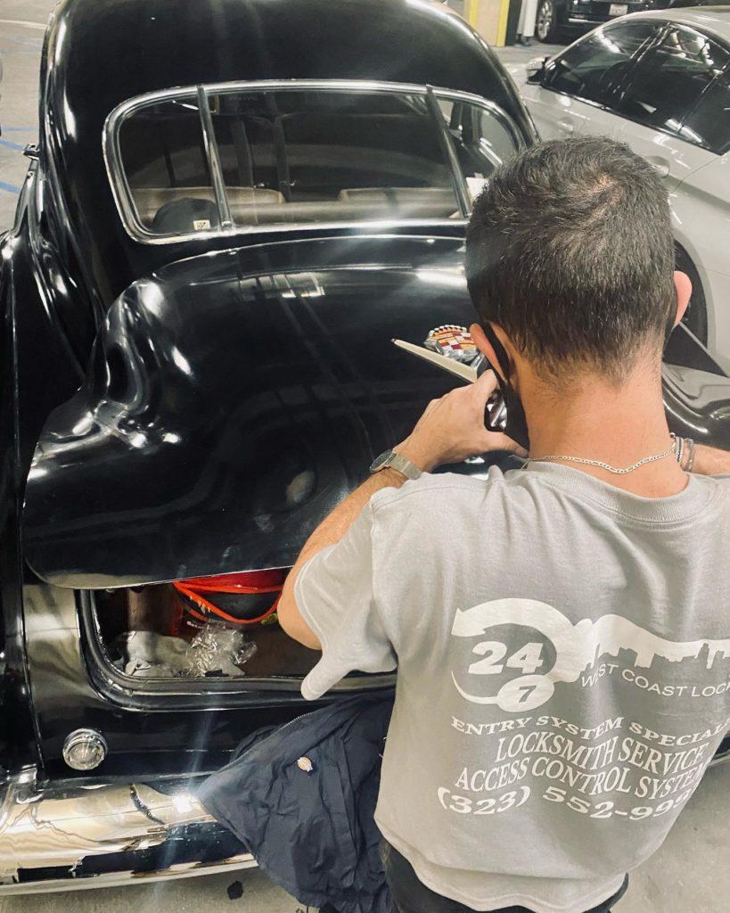 vintage car trunk unlock service